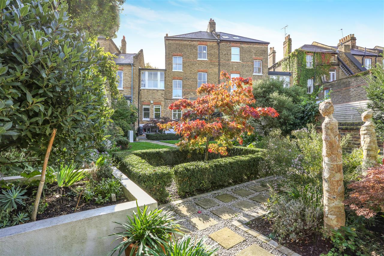 5 bed terraced for sale in St George's Avenue, London 18