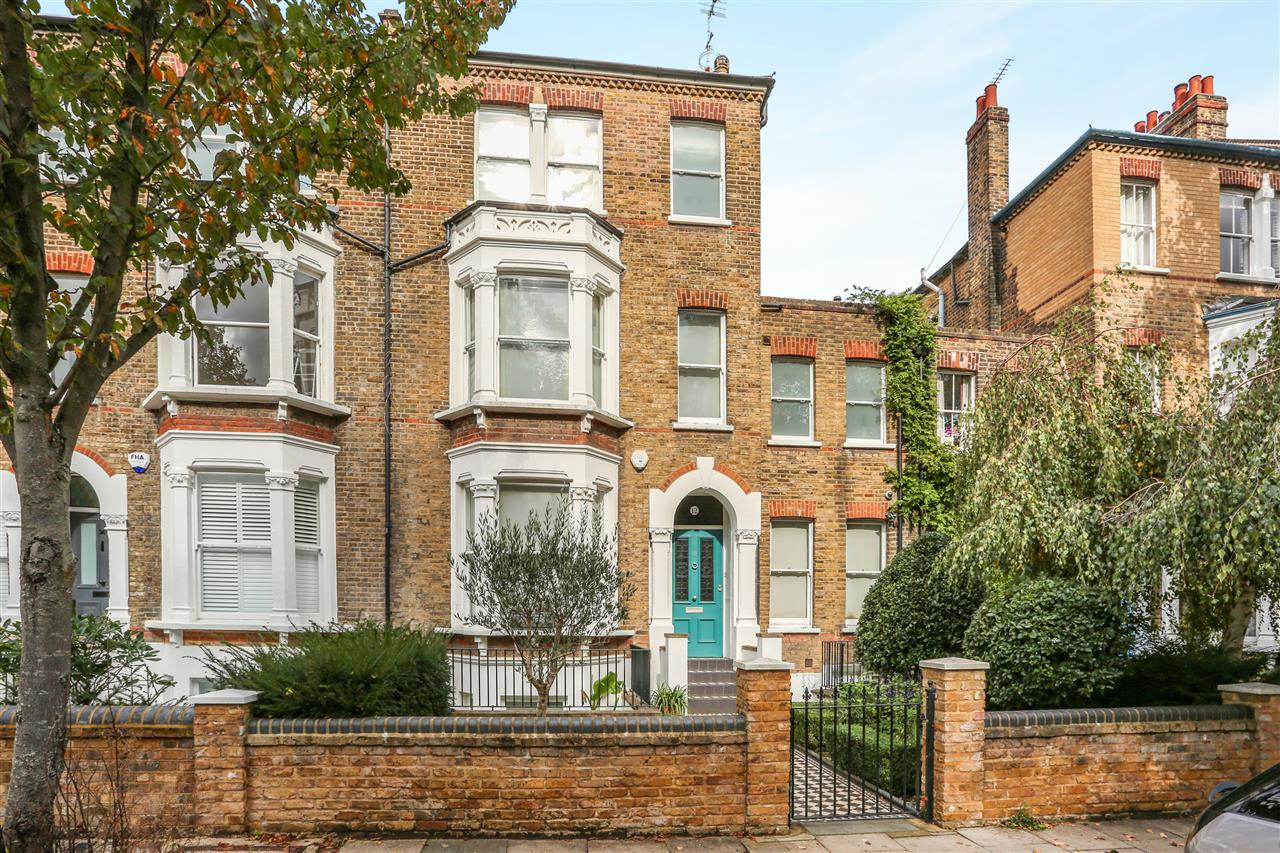 5 bed terraced for sale in St George's Avenue, London 2