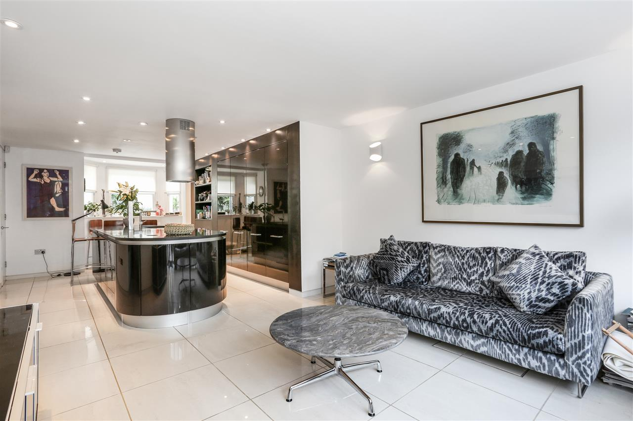 5 bed terraced for sale in St George's Avenue, London 5