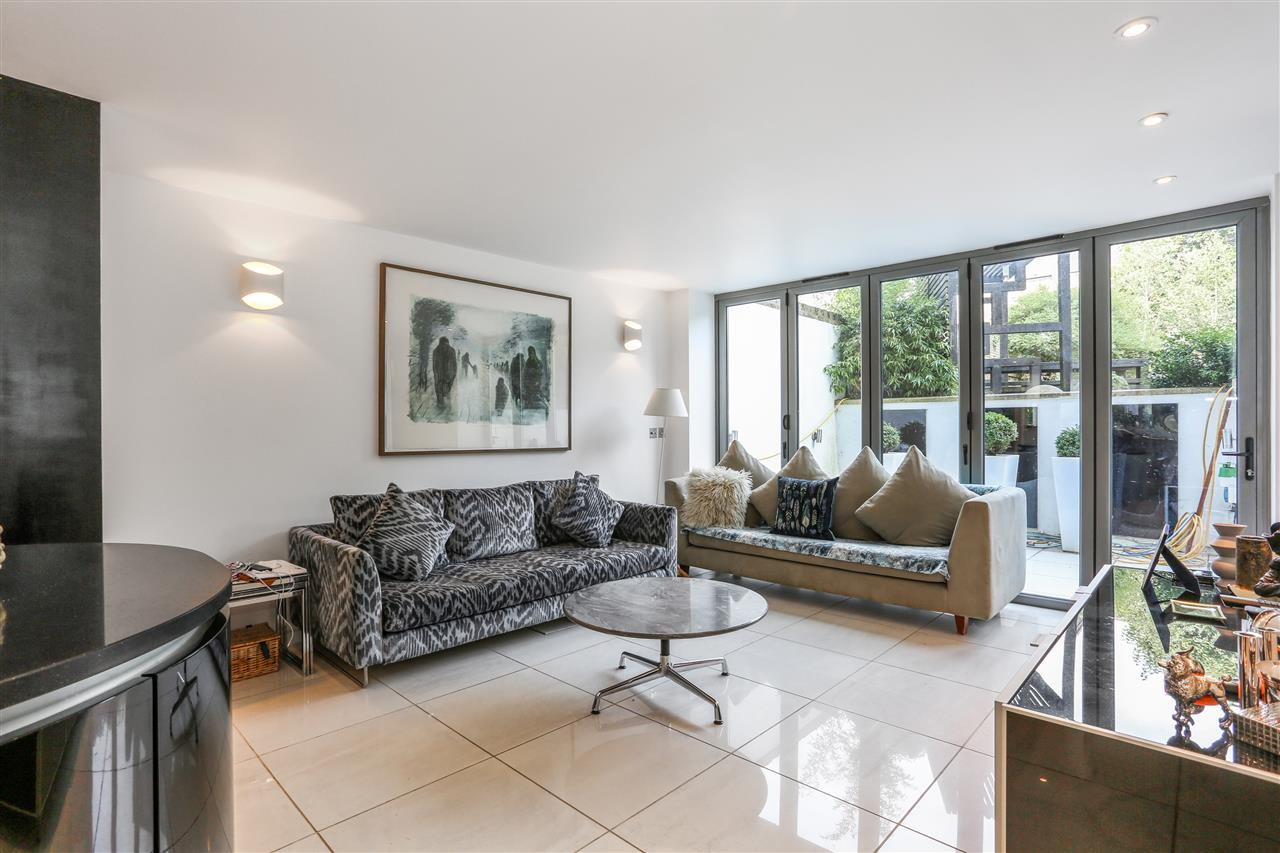 5 bed terraced for sale in St George's Avenue, London 6