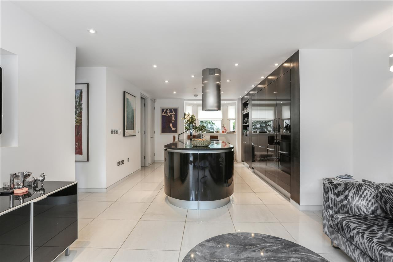 5 bed terraced for sale in St George's Avenue, London 7