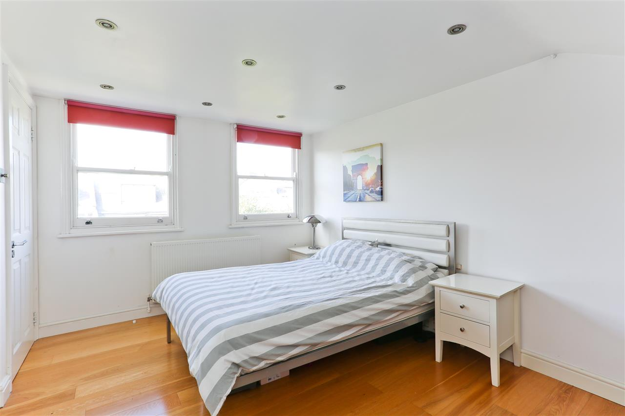 4 bed  for sale in Corinne Road, London 11