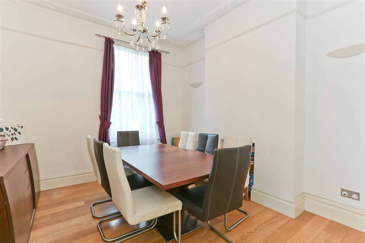 4 bed  for sale in Corinne Road, London 12