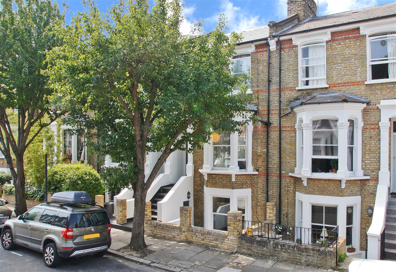 4 bed  for sale in Corinne Road, London 4
