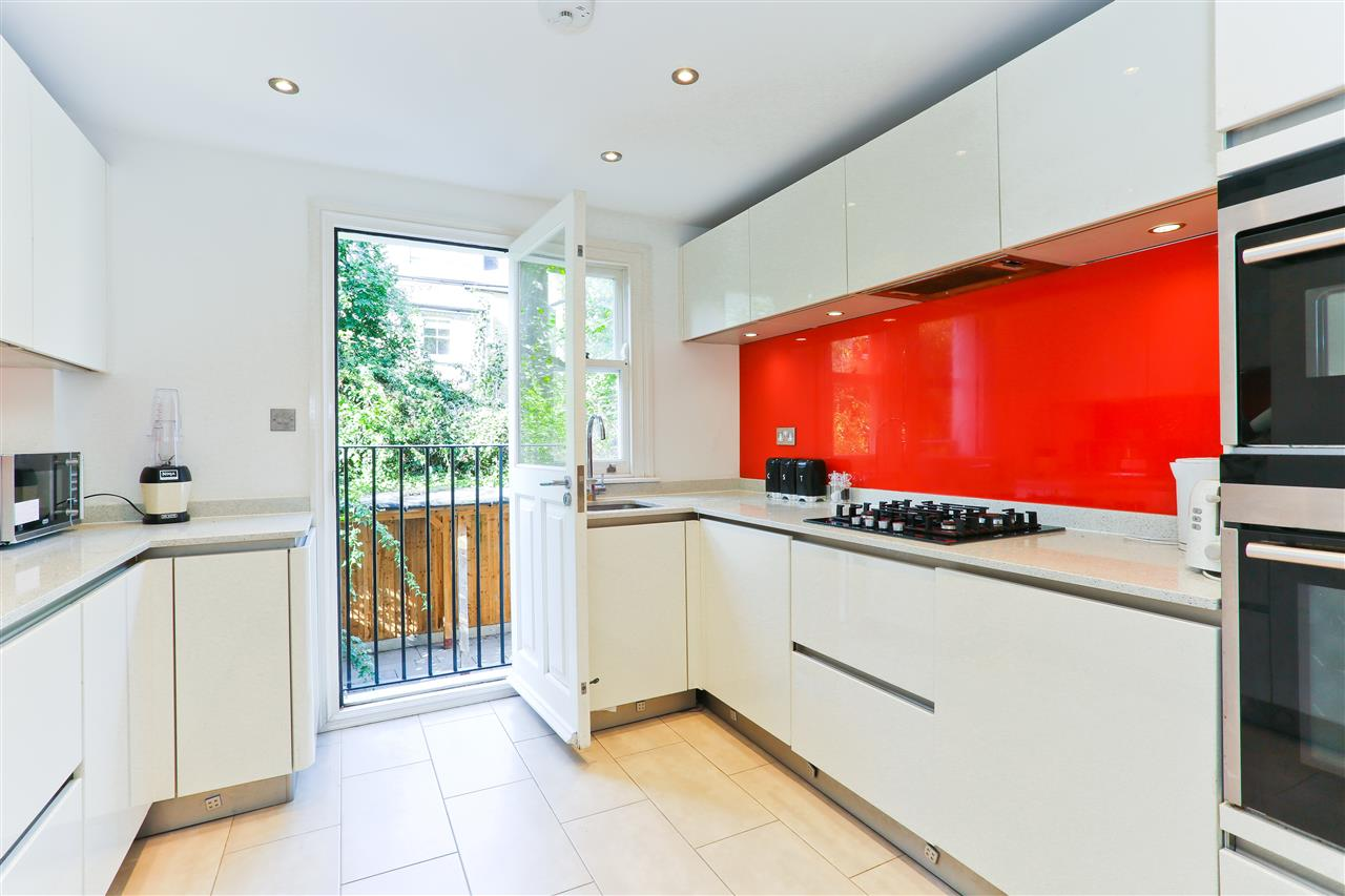 4 bed  for sale in Corinne Road, London 5