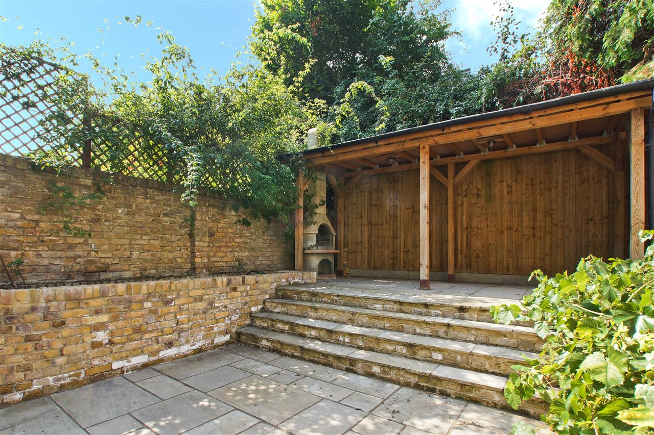 4 bed  for sale in Corinne Road, London 7
