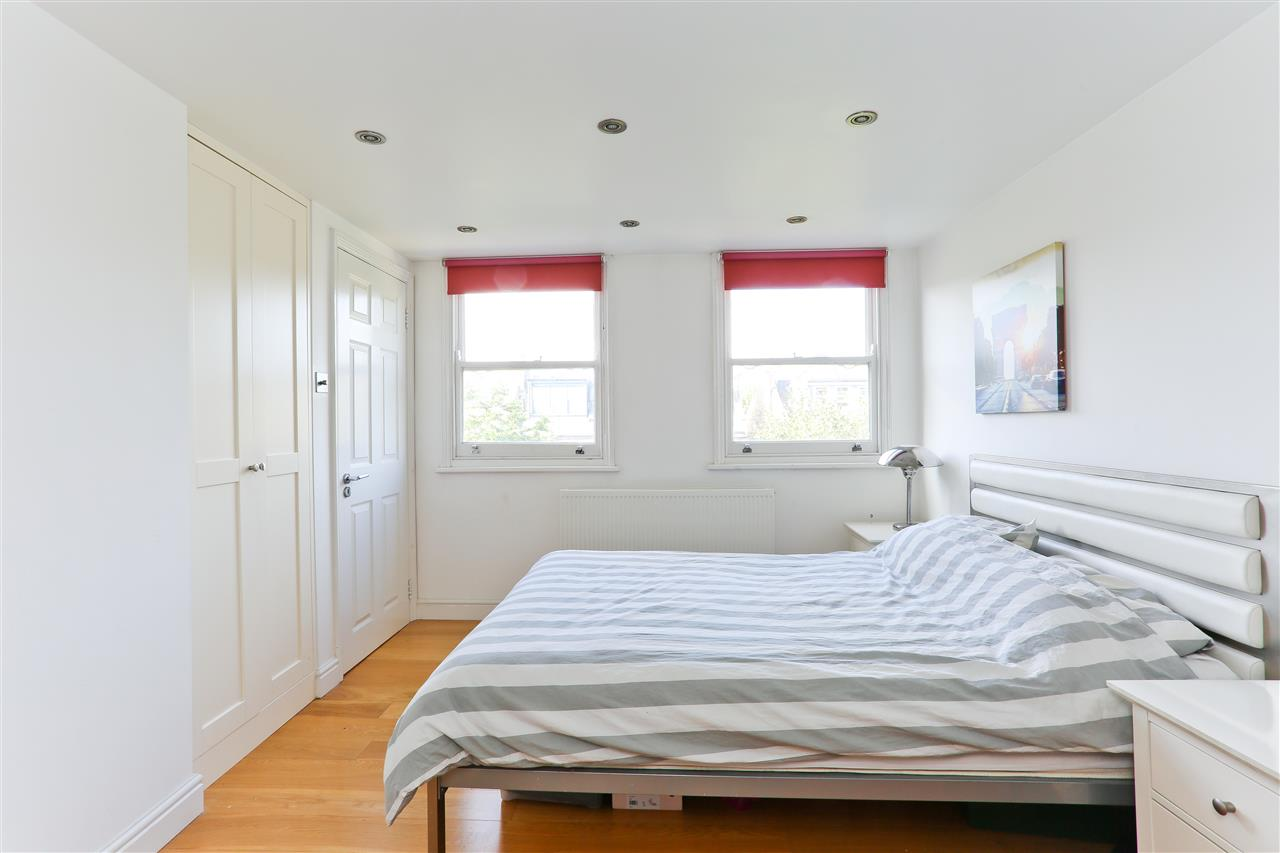 4 bed  for sale in Corinne Road, London 9