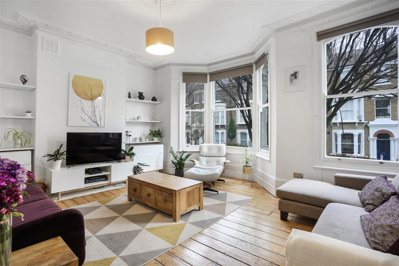 3 bed flat for sale in Tabley Road, London, N7