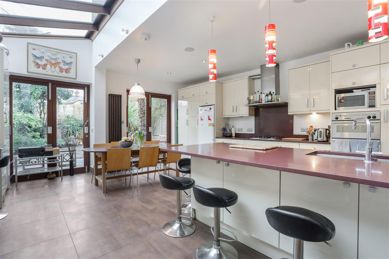 6 bed terraced for sale in Mercers Road, London 1