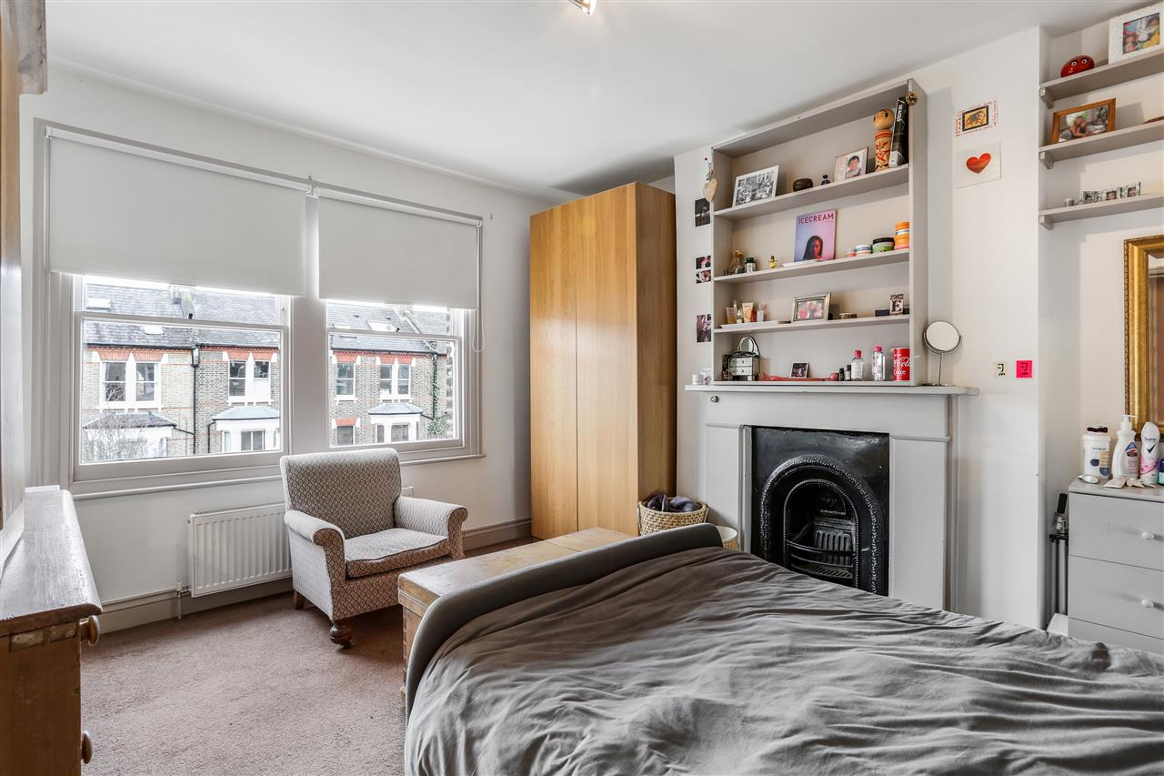 6 bed terraced for sale in Mercers Road, London 13
