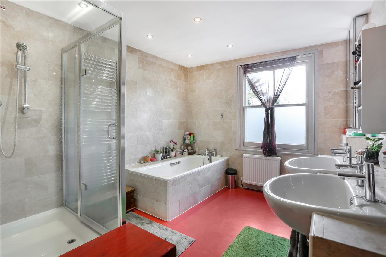 6 bed terraced for sale in Mercers Road, London 14