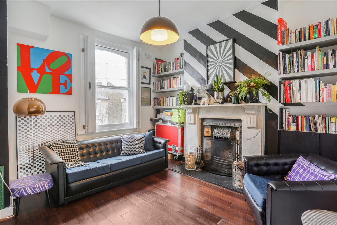 2 bed maisonette for sale in Corinne Road, London, N19