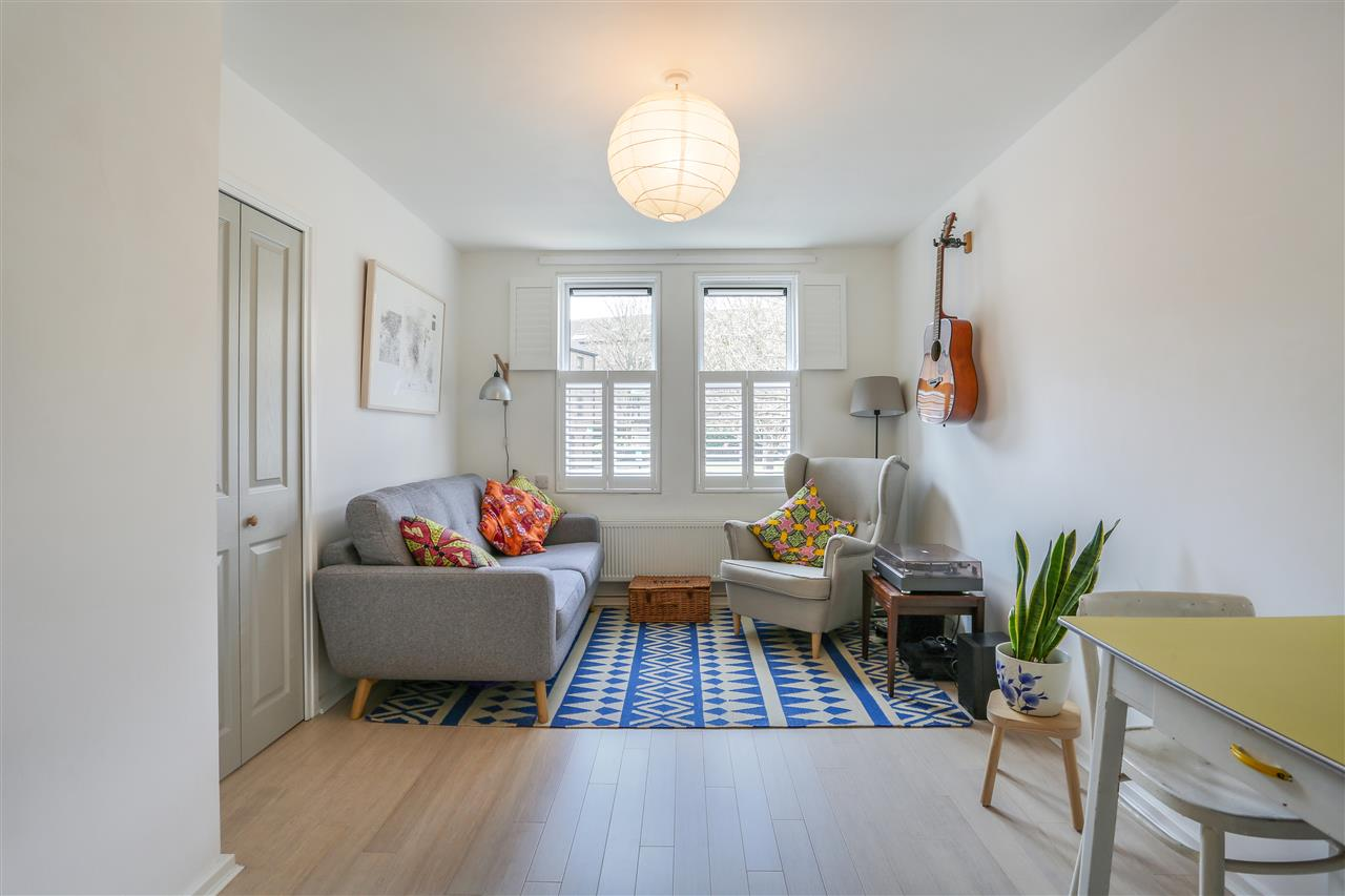1 bed apartment for sale in Warrender Road, London, N19