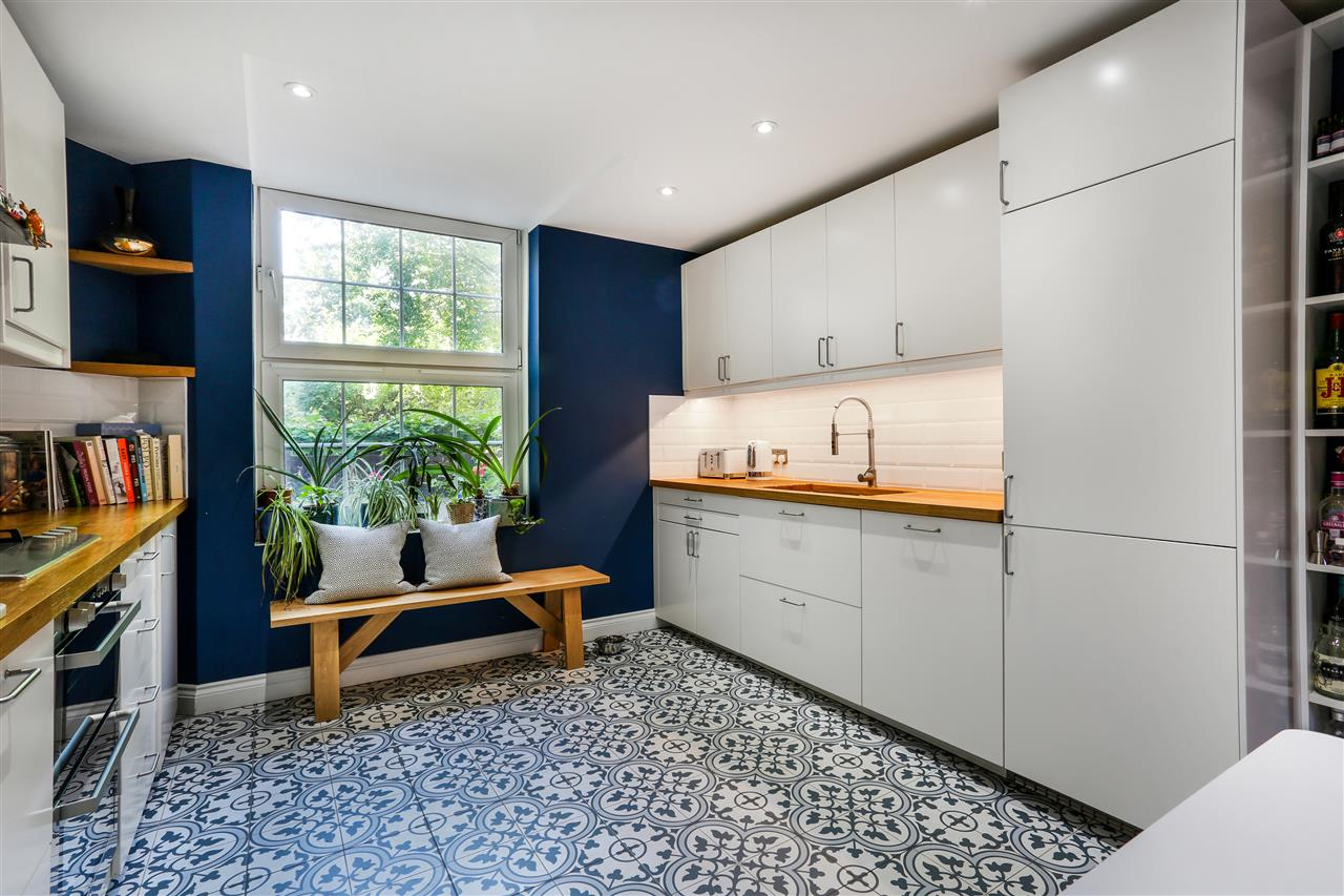 4 bed apartment for sale in Hollins House, Tufnell Park Road, London, N7