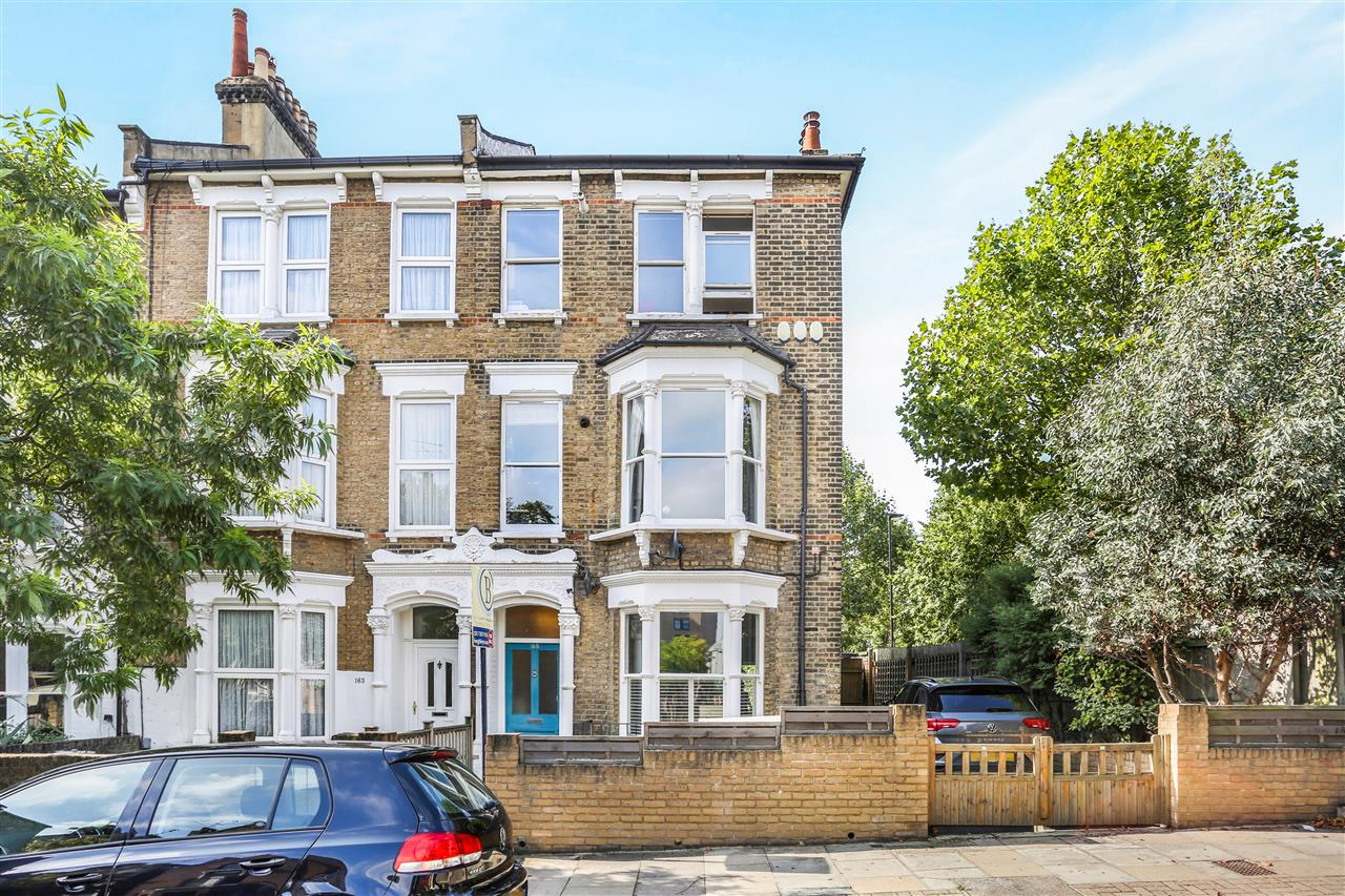 1 bed flat for sale in Huddleston Road, London, N7