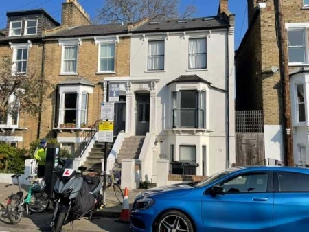1 bed flat to rent in Colvestone Crescent, London