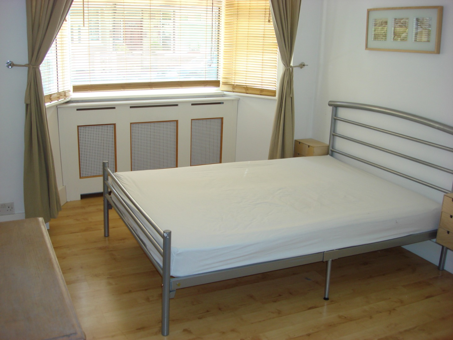 1 bed Ground Flat to rent on Clive Road - Property Image 1