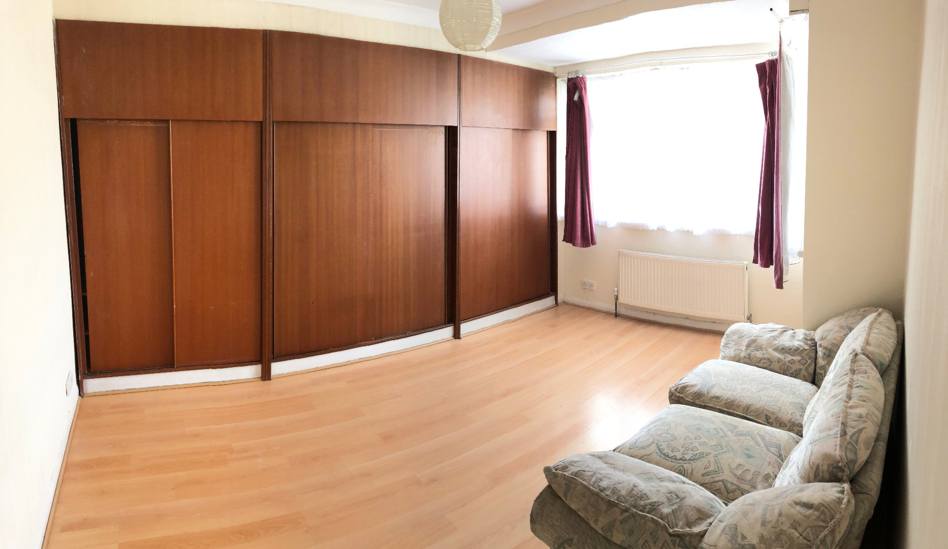 2 bed Flat to rent on Lyndhurst Avenue - Property Image 1