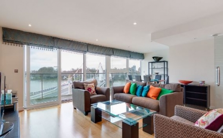2 bed Flat to rent on Chelsea Bridge Wharf, London SW8