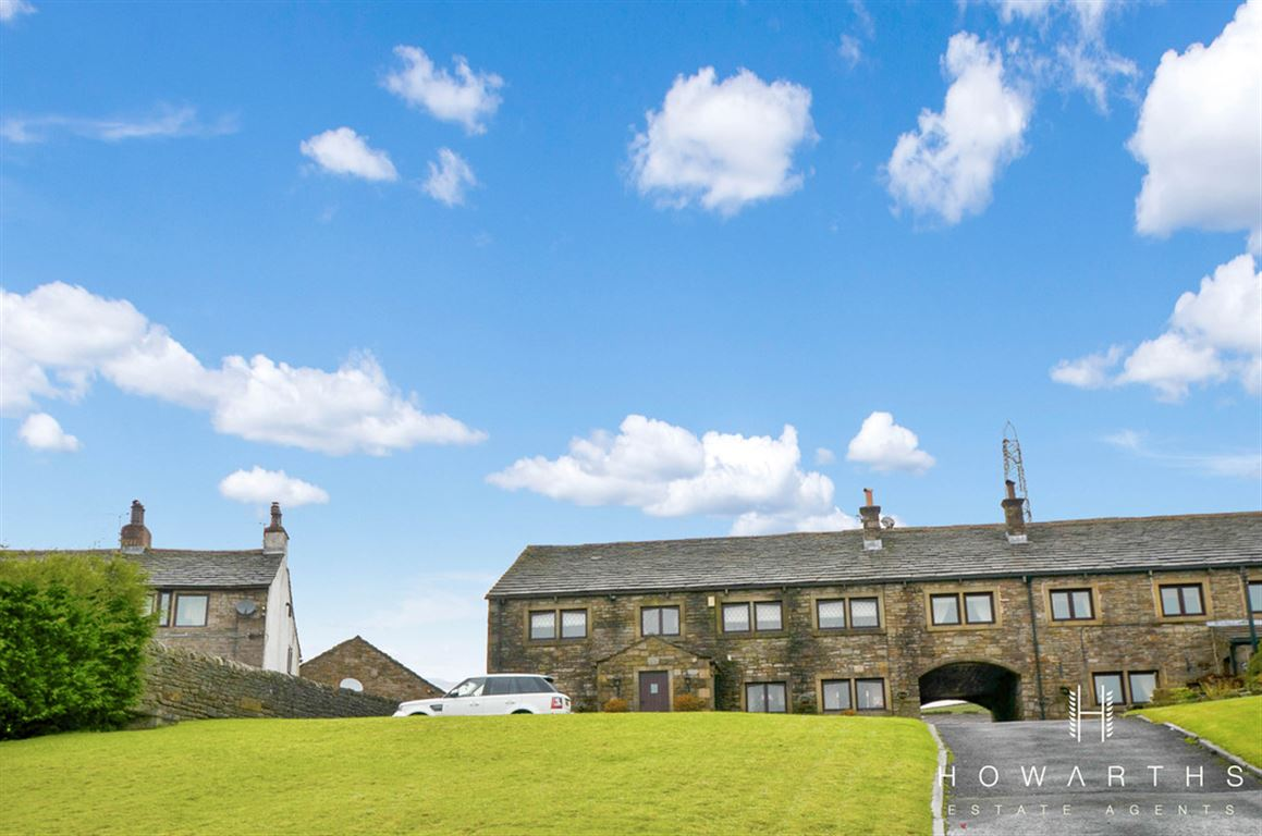 6 bed for sale on Turn Hill Barn, Water - Property Image 1