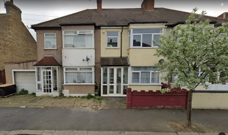 3 bed House to rent on Kensington road