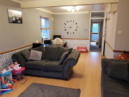 2 bed Flat to rent on Cadiz Road, Dagenham, Rm10
