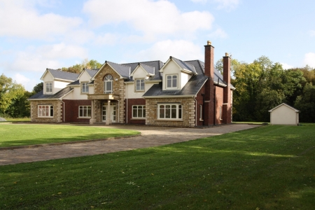 6 bed House for sale on St. James Court, Kingscourt, Co. Cavan