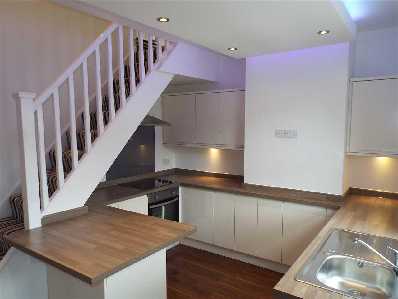 2 bed terraced for sale in Park Road, Adlington 5
