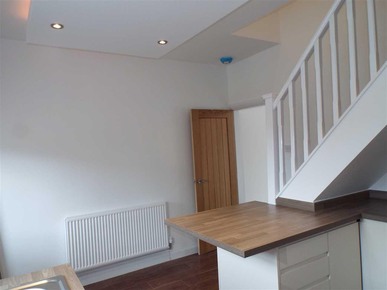 2 bed terraced for sale in Park Road, Adlington 8