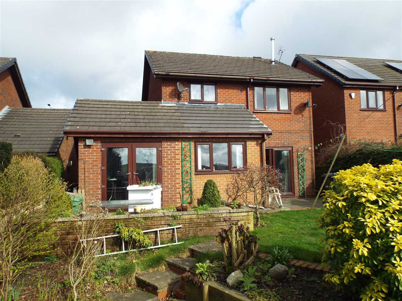 3 bed detached to rent in Bolton Road, Anderton 8