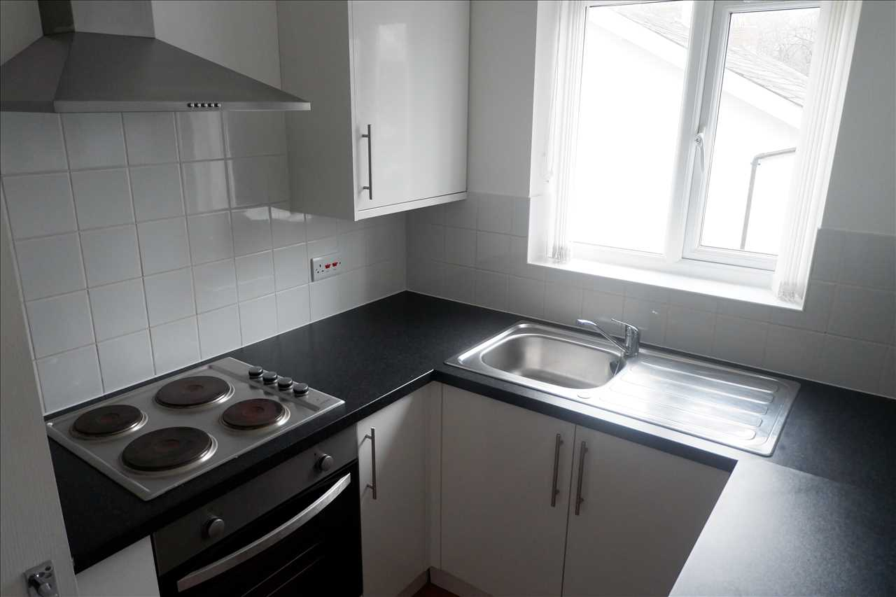 1 bed apartment to rent in Railway Road, Adlington 3