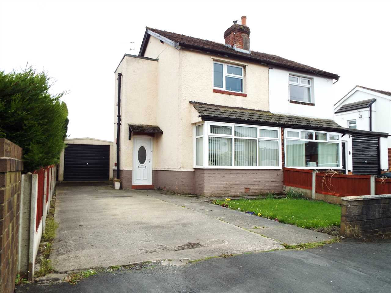 2 bed semi-detached to rent in Rothwell Road, Anderton 1