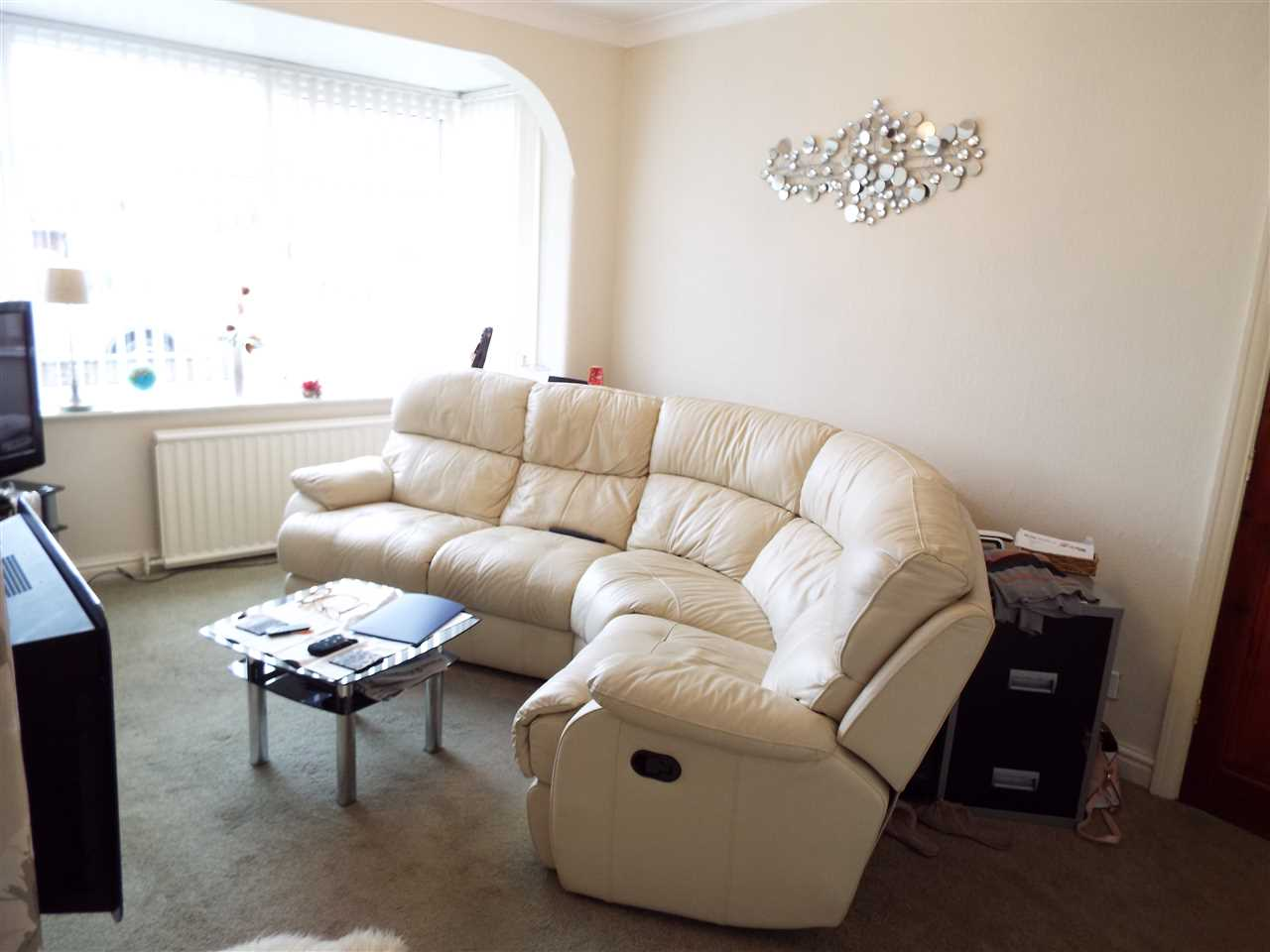 2 bed semi-detached to rent in Rothwell Road, Anderton 3
