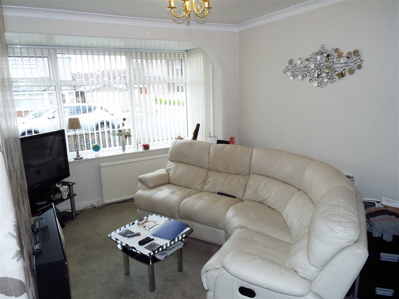 2 bed semi-detached to rent in Rothwell Road, Anderton 4