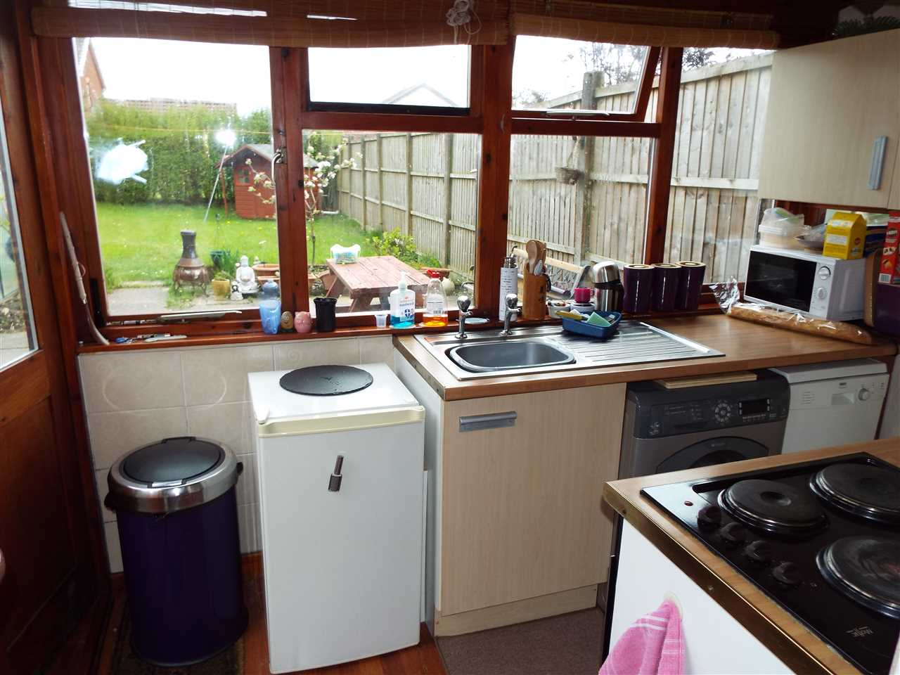 2 bed semi-detached to rent in Rothwell Road, Anderton 8