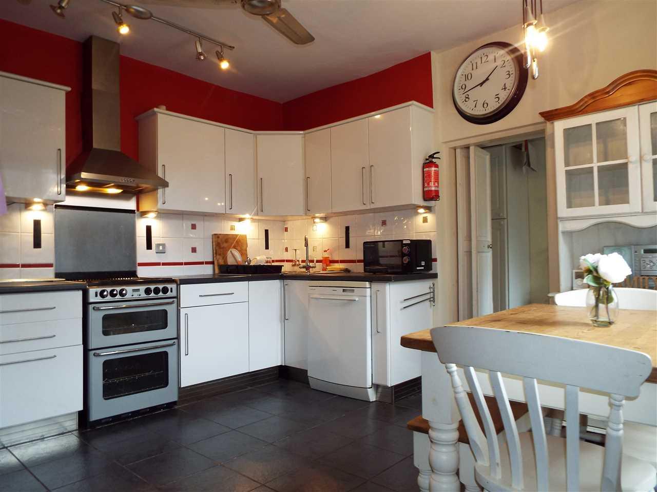 3 bed end-of-terrace for sale in Park Road, Adlington, Adlington 12