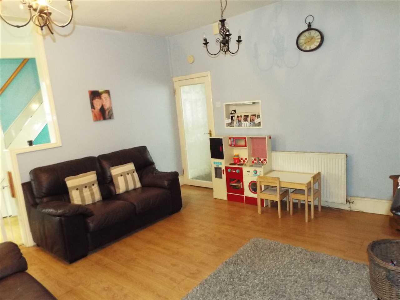 3 bed end of terrace for sale in Park Road, Adlington, Adlington 6