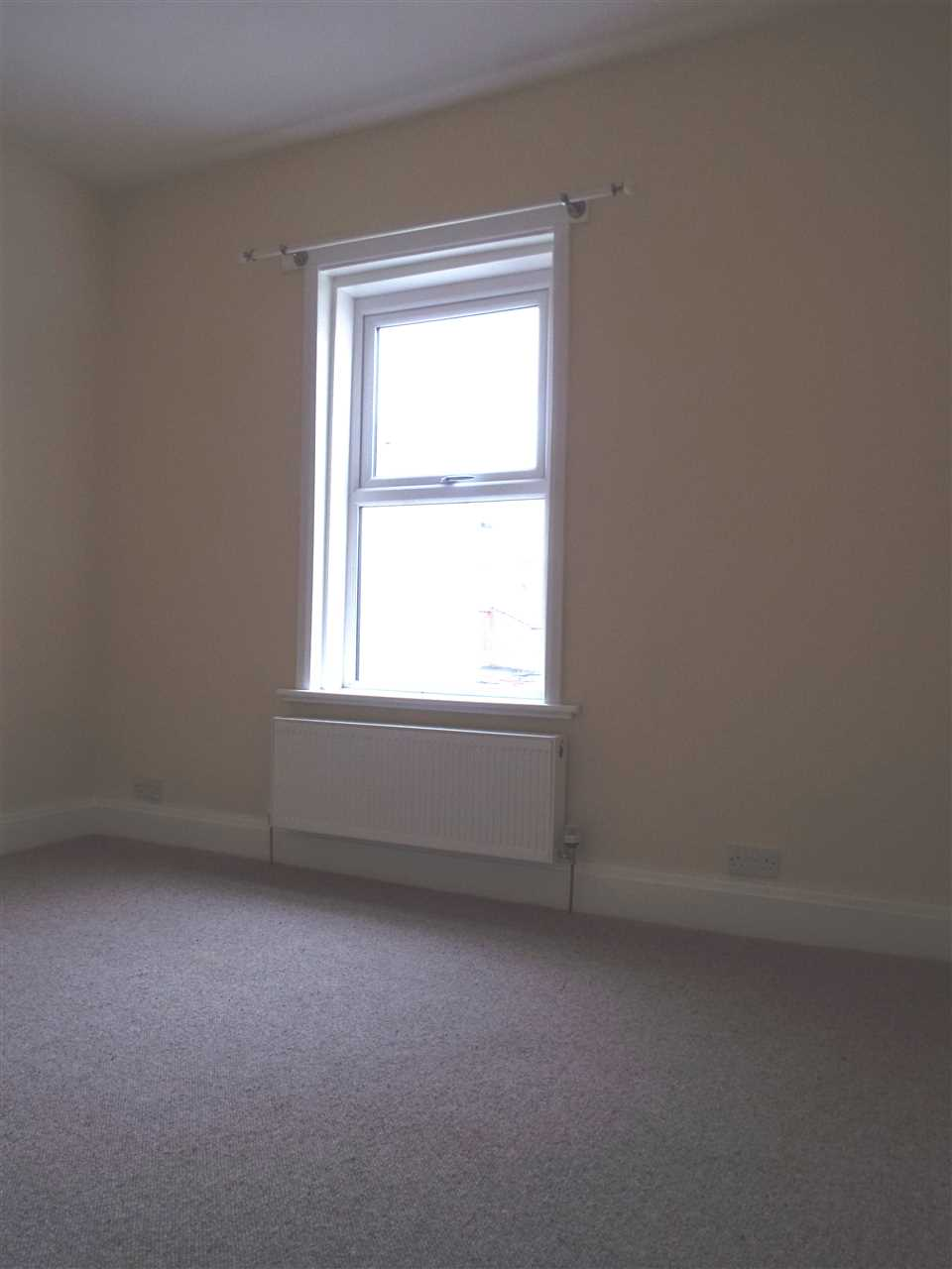 3 bed terraced to rent in Park Road, ADLINGTON 16
