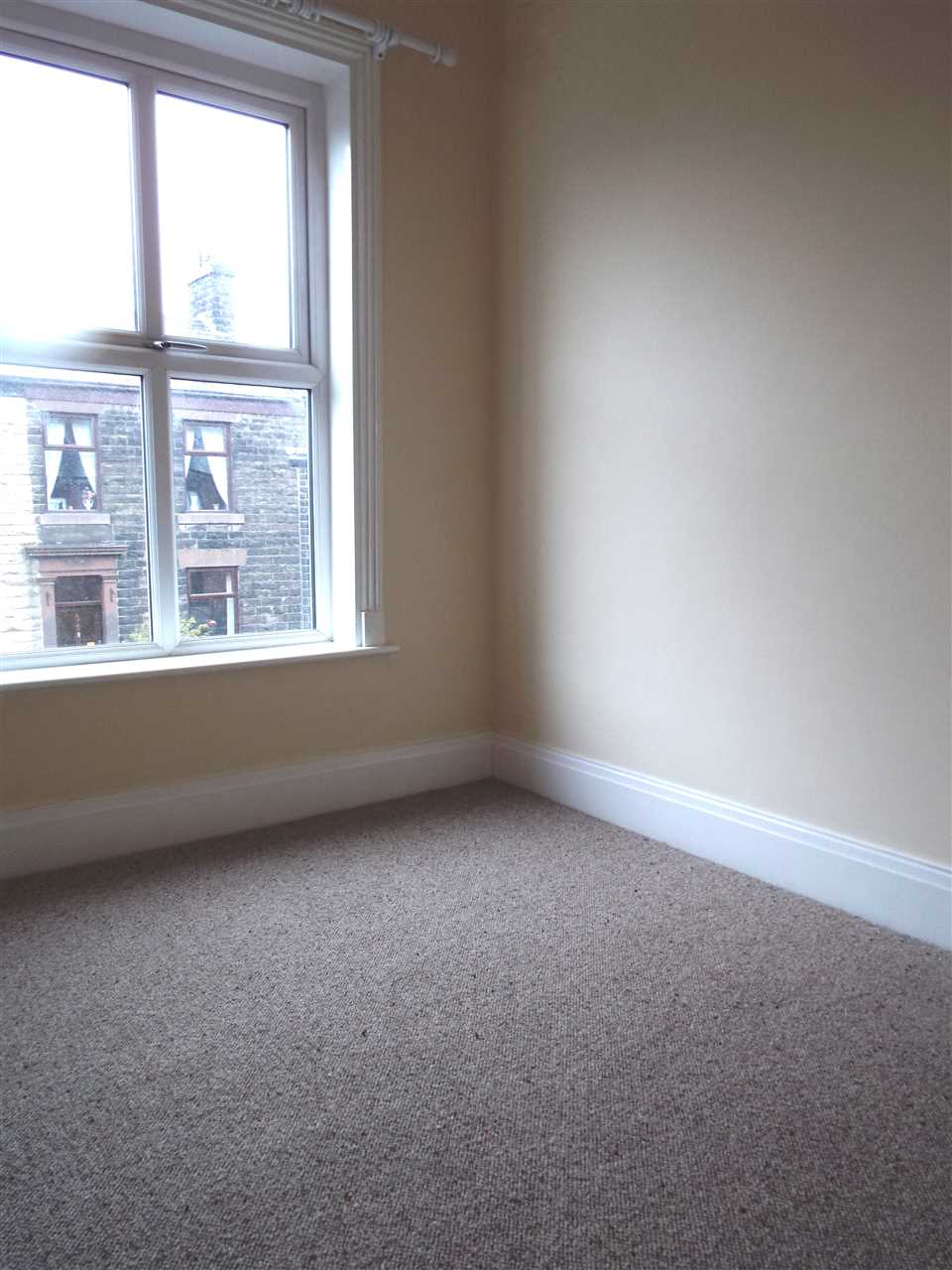 3 bed terraced to rent in Park Road, ADLINGTON 17