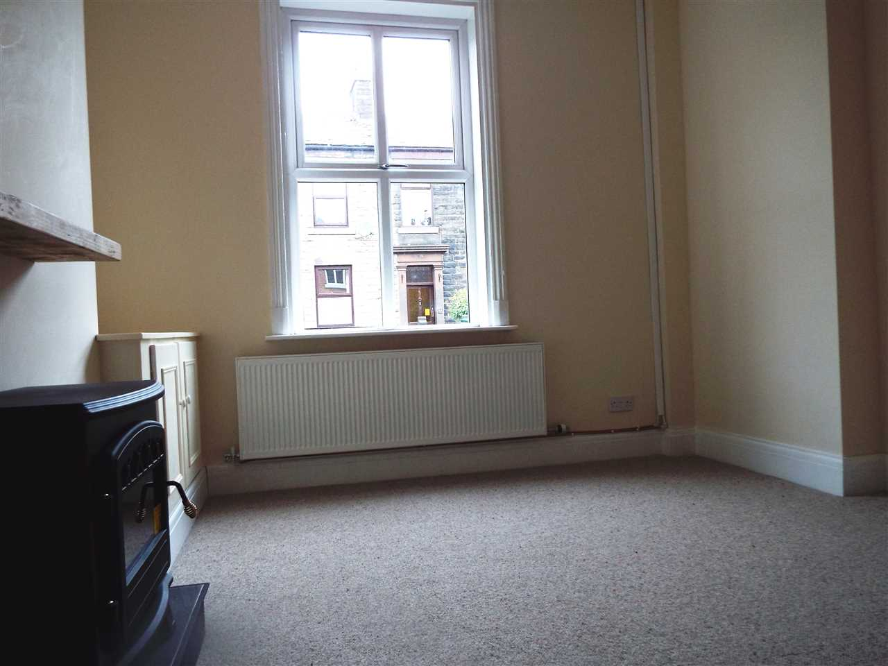 3 bed terraced to rent in Park Road, ADLINGTON 5