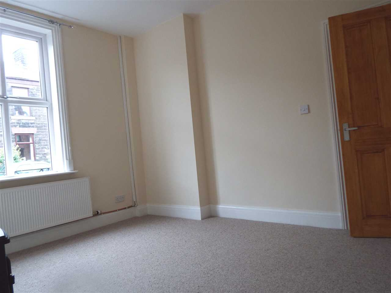 3 bed terraced to rent in Park Road, ADLINGTON 6