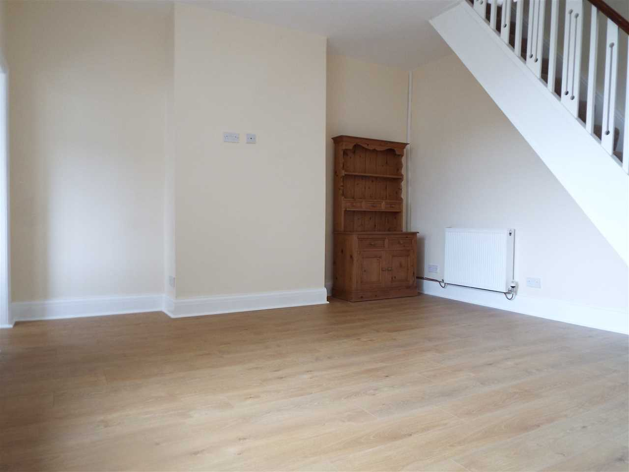 3 bed terraced to rent in Park Road, ADLINGTON 8