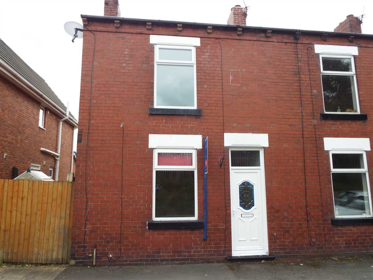 3 bed terraced to rent in Railway Street, Hindley, Wigan, WN2