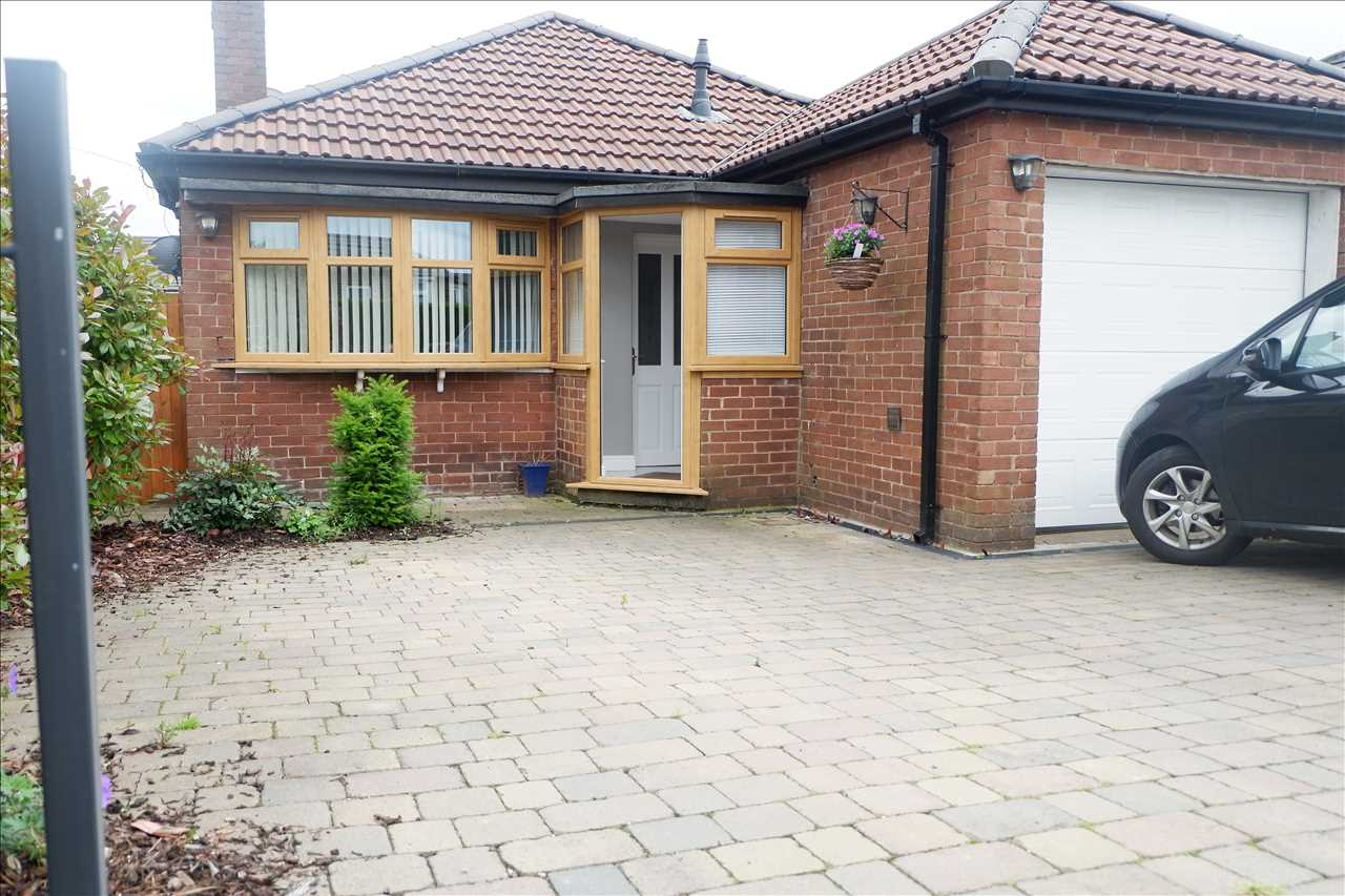4 bed bungalow to rent in Abbey Grove, Adlington, PR6