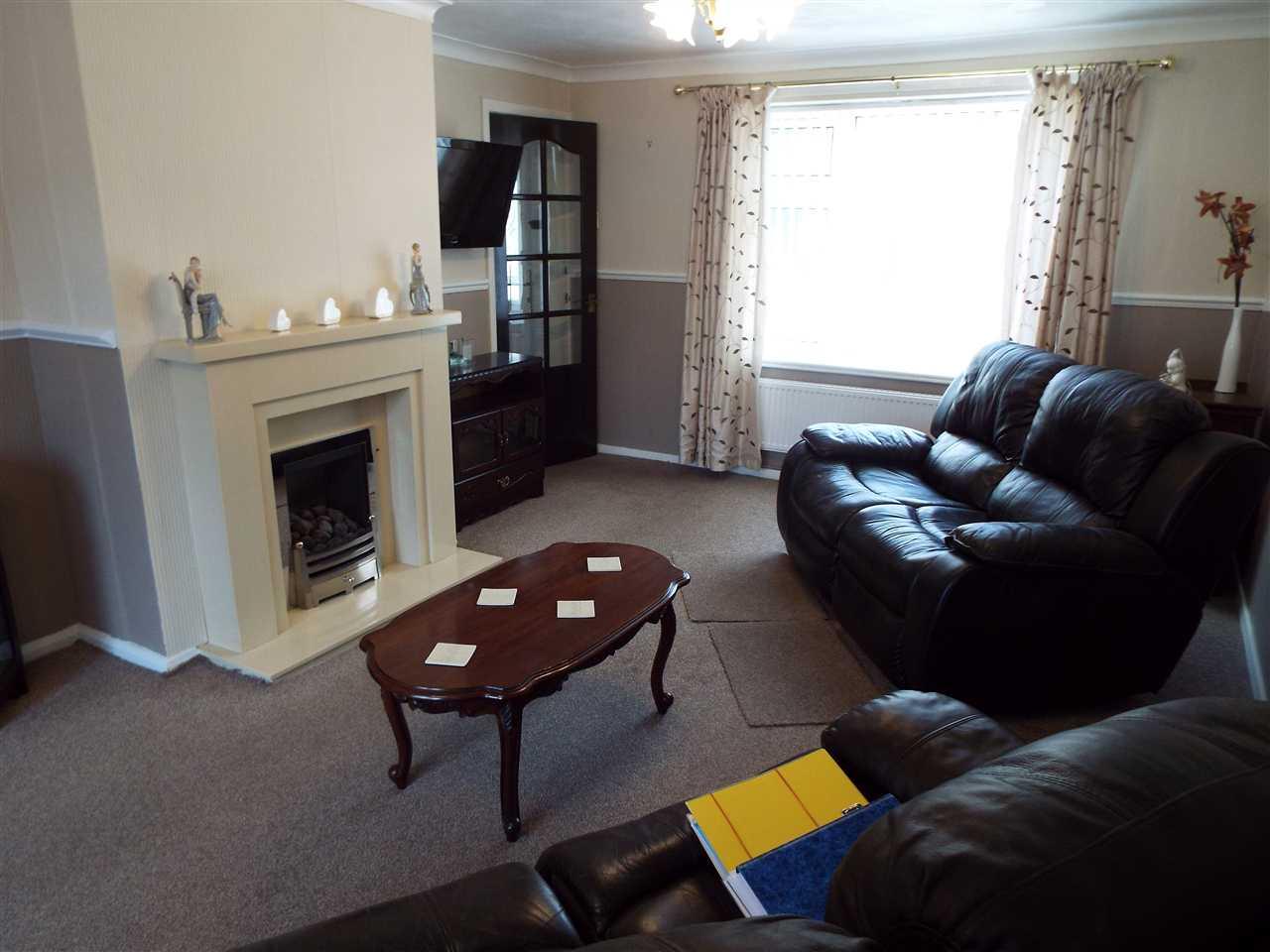 3 bed mews to rent in Lees New Road, Oldham, Oldham 2