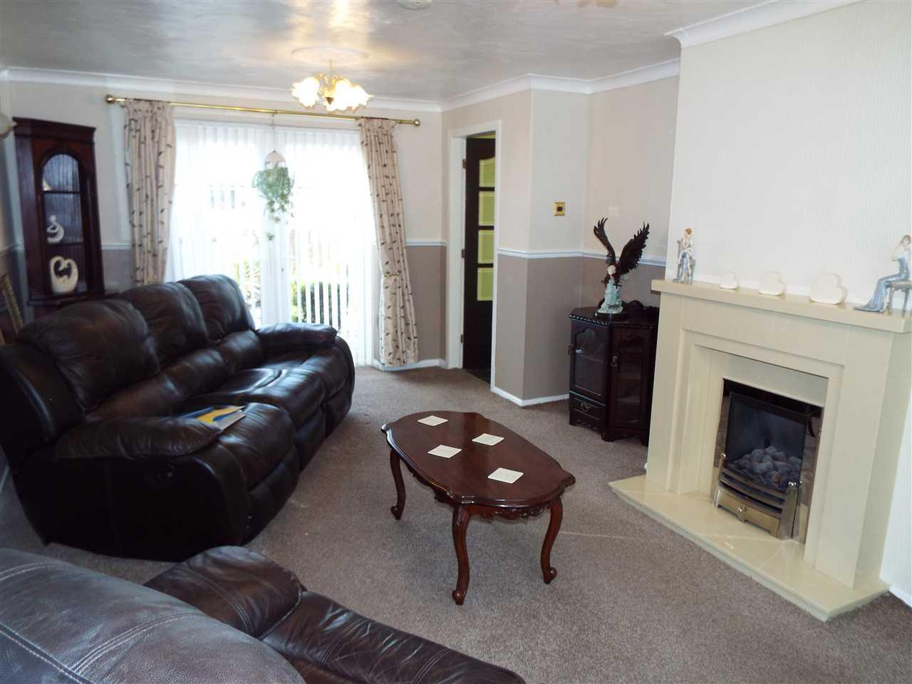 3 bed mews to rent in Lees New Road, Oldham, Oldham 3