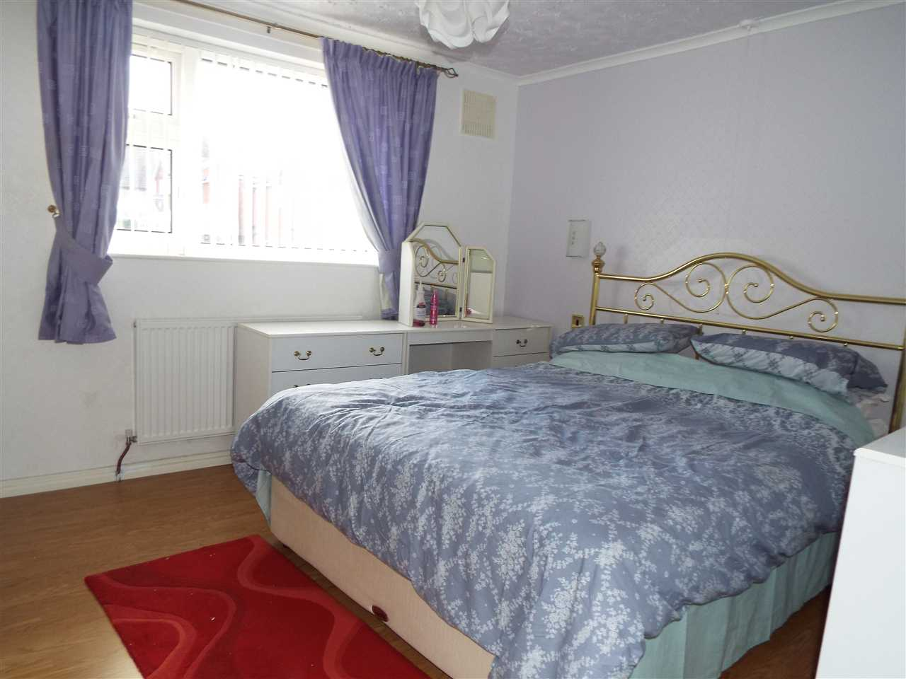 3 bed mews to rent in Lees New Road, Oldham, Oldham 5