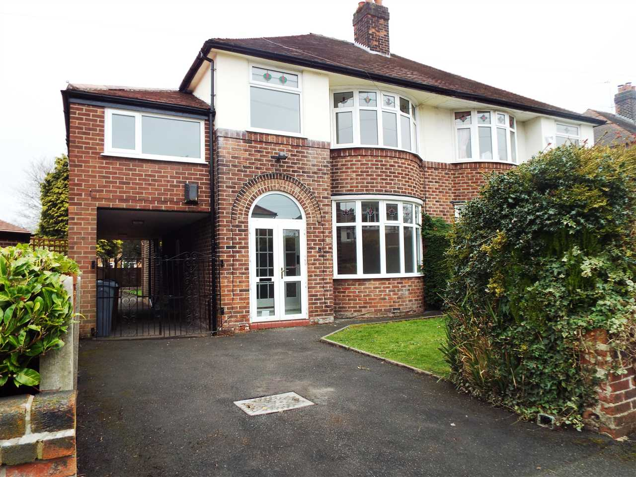 5 bed semi-detached to rent in Ferndene Road, Didsbury, Manchester, M20