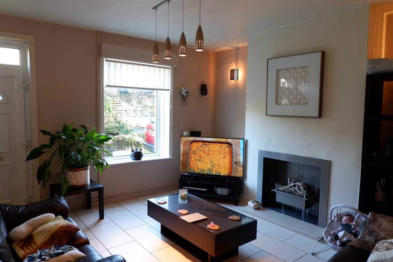 2 bed terraced to rent in Martin St, Edgworth 3
