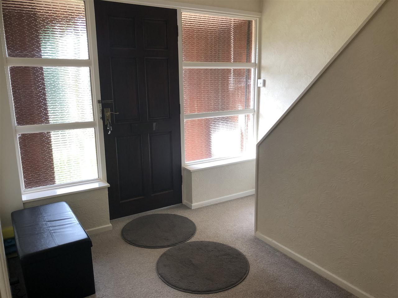 3 bed detached to rent in Highbank, Long Lane, Heath Charnock 4